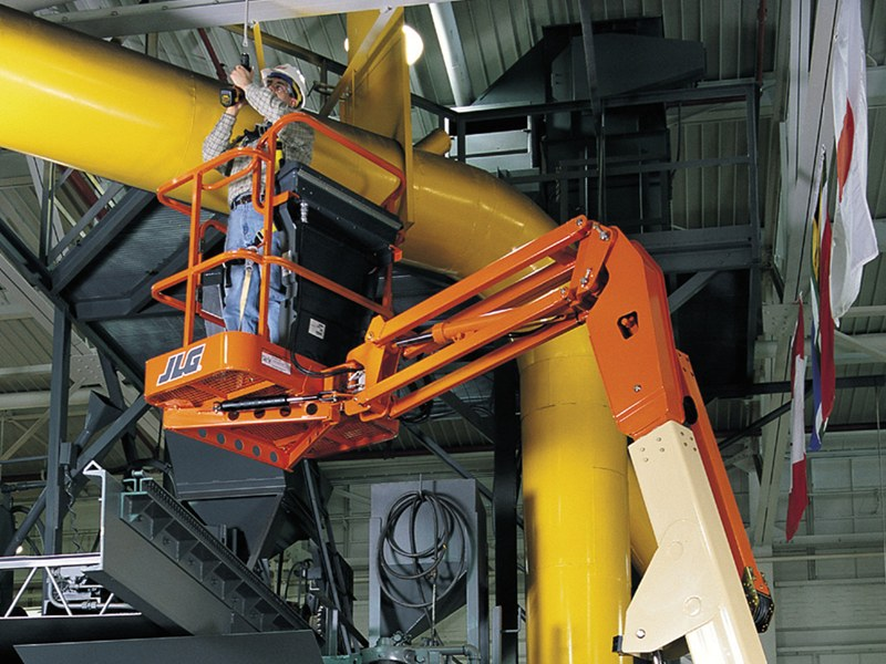 JLG-E300AJP-boom-lift-jib-rotation